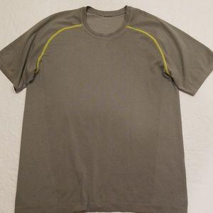 Lululemon Short Sleeve size M